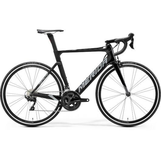 """31560-20 Merida REACTO 4000 28"""" férfi országúti kerékpár 2020 fényes fekete/matt fekete(sötét ezüst)"""