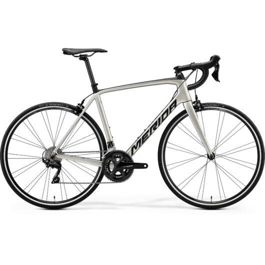 """17865-20 Merida SCULTURA 4000 28"""" férfi országúti kerékpár 2020 selyem titán/fekete"""